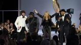 Rita Wilson raps in Emmys opening number — and Twitter can't get enough