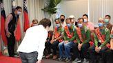 台中歡慶清潔隊員節 盧秀燕表揚環保英雄