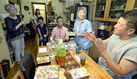 1964 volunteer group supports Paralympic athletes in Japan