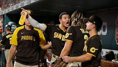MLB World Reacts To Unfortunate Padres Scene