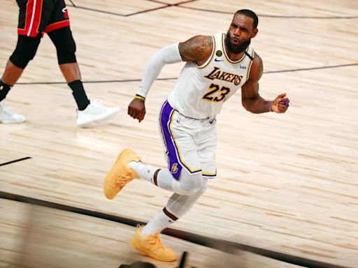 LeBron signs two-year, $85 million extension with Lakers