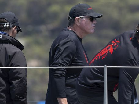 Wild Oats XI takes lead late on 1st day of Sydney to Hobart
