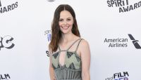 Sarah Ramos embraces inner-fan by recreating famous scenes