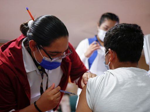 U.S. communities want to share unused vaccines with Mexico, but the White House won't let them