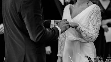 25歲純情男結婚!見老婆1刺青崩潰