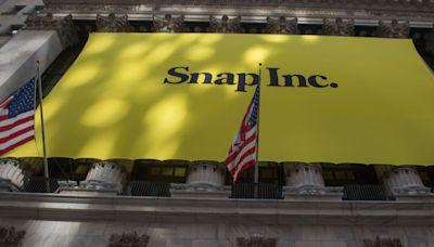 Nasdaq Composite set to slip as Snap seen dragging internet stocks lower