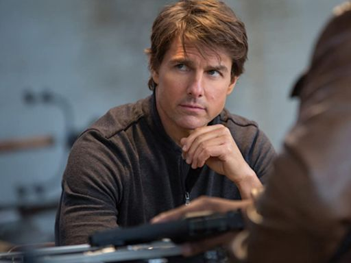 Tom Cruise speeds through Rome in new Mission: Impossible 7 set photos