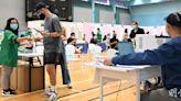 新冠疫苗|12至15歲青少年今起預約 到校接種被指門檻高 學校傾向接種中心打針 (11:14) - 20210611 - 港聞