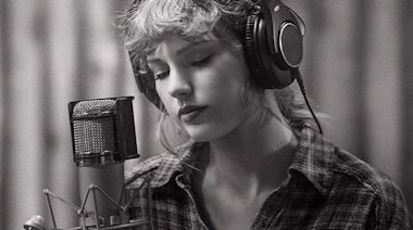 Taylor Swift debuts snippet of re-recorded 'Love Story' thanks to Ryan Reynolds