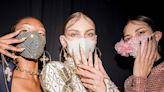 【紐約時裝週】THE BLONDS 破天荒和日本PITTA合作 把口罩鑲滿華麗水鑽 閃到眼睛睜不開!