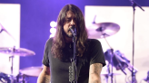 The It List: Dave Grohl, other rockers talk the importance of mom in 'From Cradle to Stage'; Emilia Clarke stars in true crime thriller 'Above Suspicion'; a '90s girl group returns in 'Girls5Eva'; and the best in...