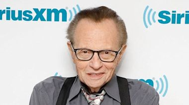 Larry King Remembered as 'TV Pioneer' and 'True Mensch'