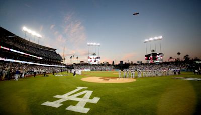 Los Angeles Dodgers Reportedly Signing 4-Time All-Star Pitcher