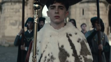 'The King' Trailer: Timothee Chalamet Reluctantly Takes Throne as King Henry V