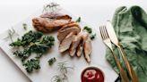 健身男狂嗑雞胸肉導致腎損傷 醫師分析曝「護腎」原則