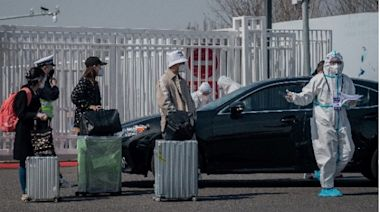 韓國31名旅客入境中國 護照被當垃圾全銷毀(圖) - - 社区新闻