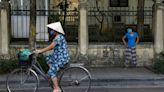 越南單日新增近6千例本土確診創新高 胡志明市蔬果價格被炒作--上報