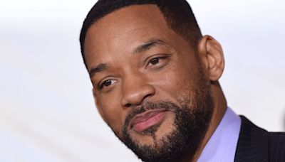 Watch Will Smith Challenge His Core While Demonstrating a Classic Abs Exercise