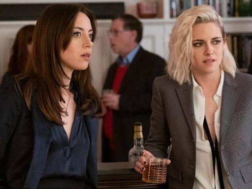 Aubrey Plaza Reveals Kristen Stewart Had Coronavirus While Filming Happiest Season In February