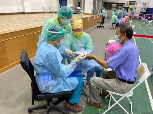 全台300萬人打AZ疫苗!醫生曝光「亞洲人體質9大副作用」,打針後這幾天不能鬆懈