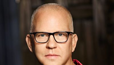 Ryan Murphy On Getting 'Halston' On The Runway With Daniel Minahan; Muses On Future Fashion-Related Projects...