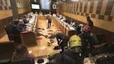 Estudian responsabilidades en la protesta de los bomberos en el pleno en Huesca