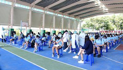 嘉義縣校園BNT開打 大林慈院為醫專學生施打疫苗