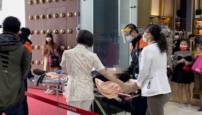 打完疫苗暈針 中正紀念堂接種站2民眾送醫