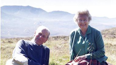 菲臘親王喪禮稍後舉行 女王發布與丈夫最愛照片 - RTHK