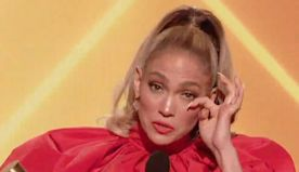 See Jennifer Lopez Be Moved to Tears While Accepting the 2020 People's Choice Icon Award - E! Online