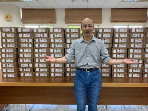 買百台筆電贈偏鄉學子 韓國瑜親自開車送愛:孩子的教育不能等