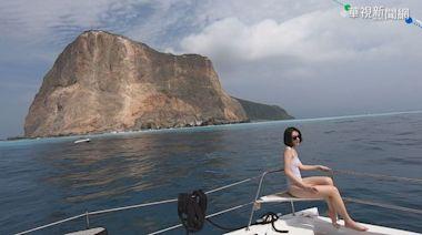 龜山島牛奶海暴紅 玩立槳.包船成潮流