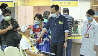 日均200人於醫院打針 聶德權稱下周再多4間醫院設立新冠疫苗接種站