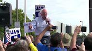 Sanders joins UAW picket line as GM talks progress