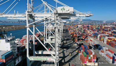 美國卡車協會:工人短缺及船運積壓 正醞釀經濟風暴