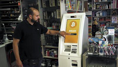 《尋找黑天鵝》:比特幣的崛起,為法定貨幣貶值與國際間金融不平等,提供一個可能的解方 - The News Lens 關鍵評論網