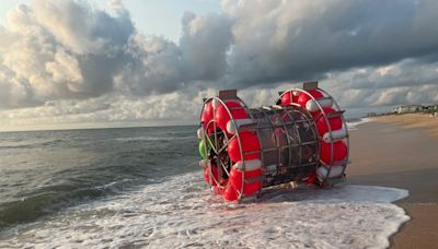 Florida Man in 'Bubble' Washes Up on Beach While Trying to Run on Water to New York for Charity