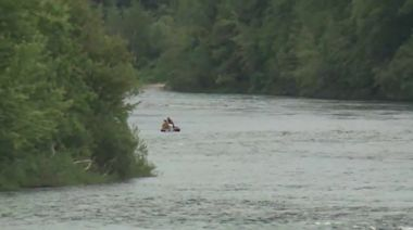 Raw video: Crews search Merrimack River for missing kayaker