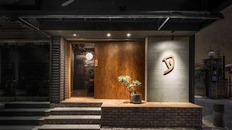 揮灑月夜下的漁火意象,展現職人內斂之道的日式餐酒館!