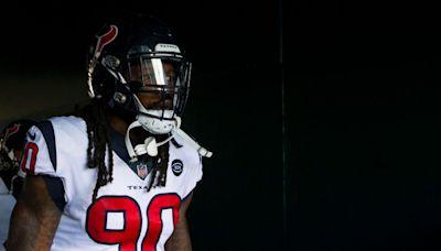 Jadeveon Clowney hoping offenses focus on stopping Myles Garrett