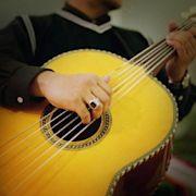 Guitarrón mexicano