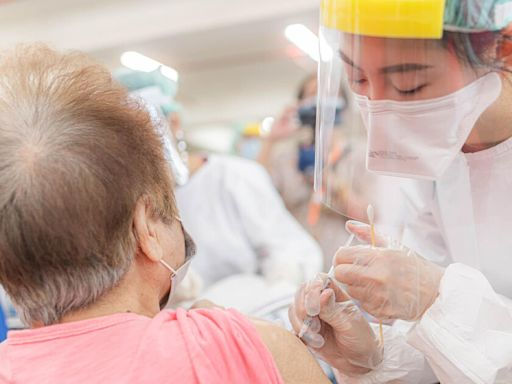 新北疫情/接種後死亡+5!侯友宜呼籲出來接種、指揮中心也給出 2 項建議