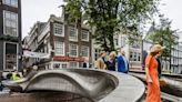 【全球大搜奇】荷蘭老運河呈現科技感 首座3D列印鋼橋啟用