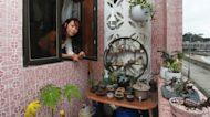 Hong Kong 'minimalist' adopts solutions to reduce waste