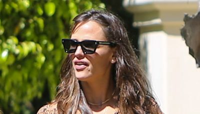 Jennifer Garner Perfects Between-Season Style in Printed Dress and Chain Strap Sandals