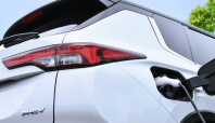 New Mitsubishi Outlander PHEV coming before the end of the year