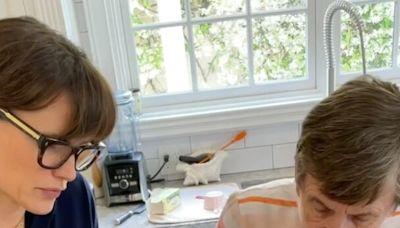 Jennifer Garner and Her Mom Celebrate Fall by Baking Pumpkin Oatmeal Cookies — See the Recipe