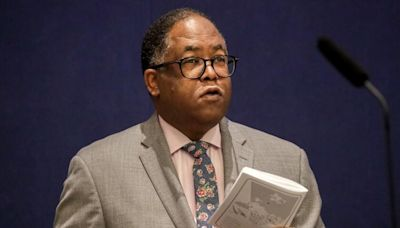 L.A. County supervisors order independent audit of Mark Ridley-Thomas bribery charges