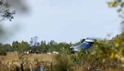 21 people safely escape fiery Texas plane crash