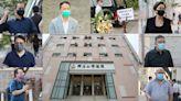 胡志偉亡父設靈 民主派到場致意 巿民:人道立場點都應該要批   蘋果日報